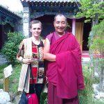 Alaturi-de-un-preot-de-pe-platoul-tibetan