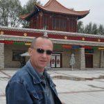 Andy alaturi de Templul Poeziei. China