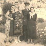 Aura Christi – cei doi Frati Potlog – Semion si Boris langa Mama lor Elena si matusa Anastasia